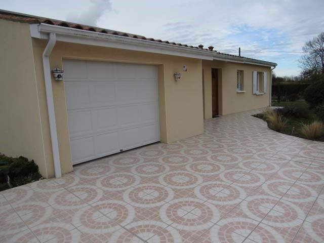 Sale house / villa Bercloux 148400€ - Picture 2
