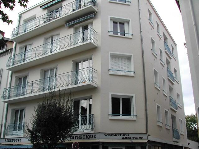 Location appartement Vichy 320€ CC - Photo 1