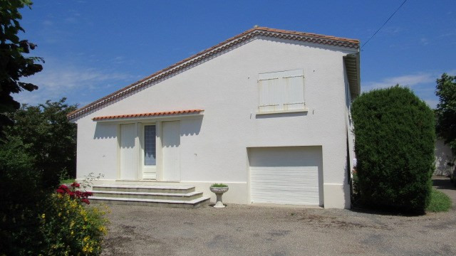 Sale house / villa Loulay 133100€ - Picture 3