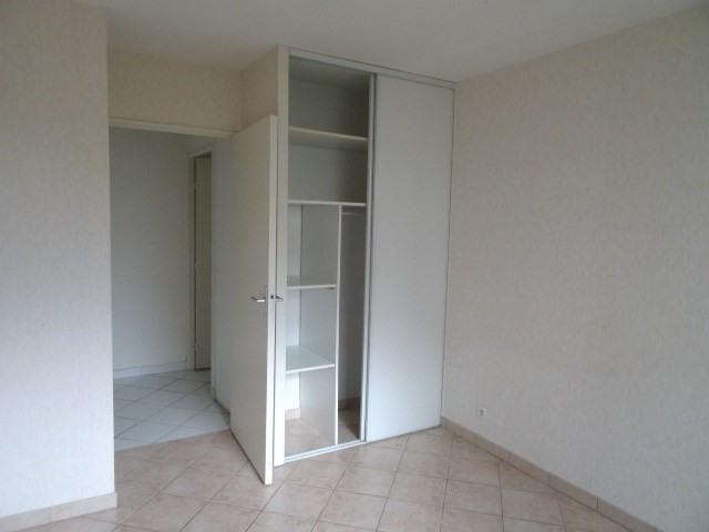 Location appartement Villefranche sur saone 860€ CC - Photo 4