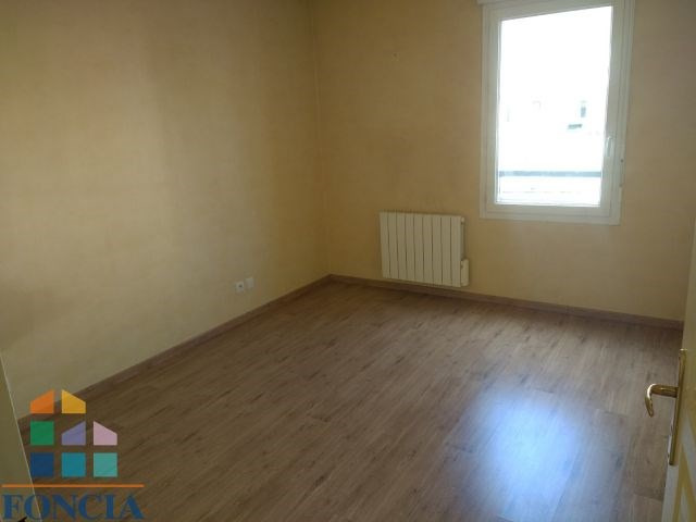 Location appartement Meyzieu 760€ CC - Photo 8