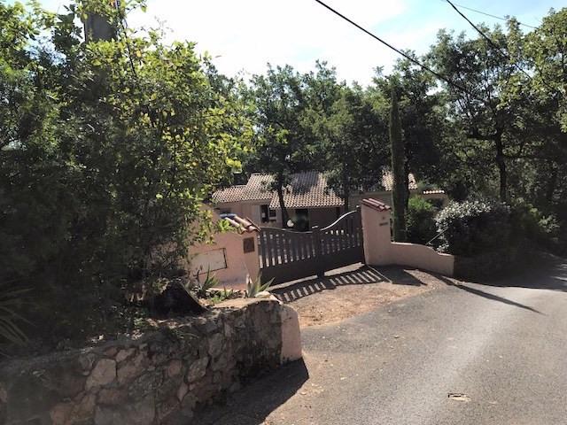 Revenda casa Bagnols-en-forêt 377000€ - Fotografia 5