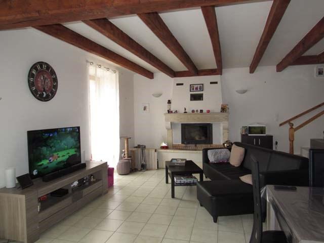Sale house / villa Saint-jean-d'angély 150600€ - Picture 3