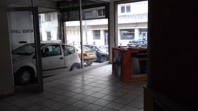Revenda armazém Saint-etienne 265000€ - Fotografia 3