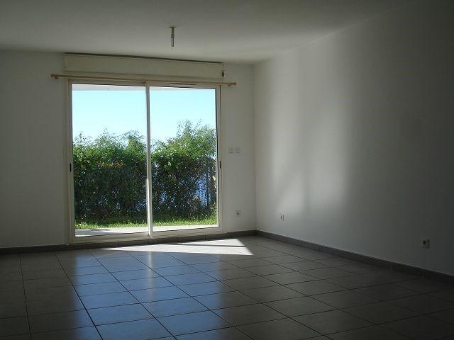 Location appartement Ste clotilde 566€ CC - Photo 2