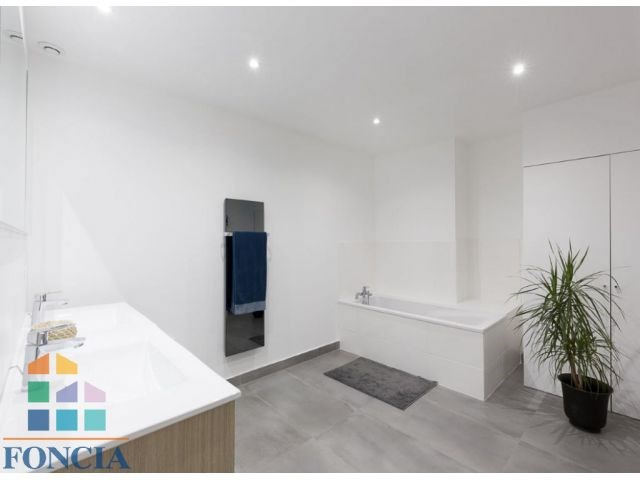 Deluxe sale apartment Suresnes 925000€ - Picture 9