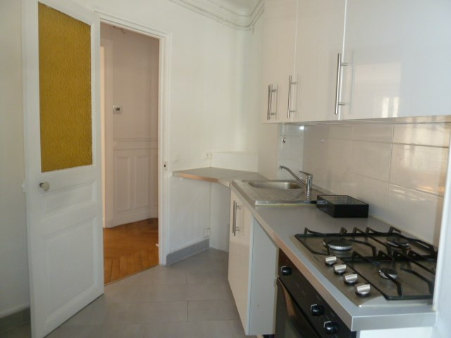 Locação apartamento Paris 15ème 2300€ CC - Fotografia 5