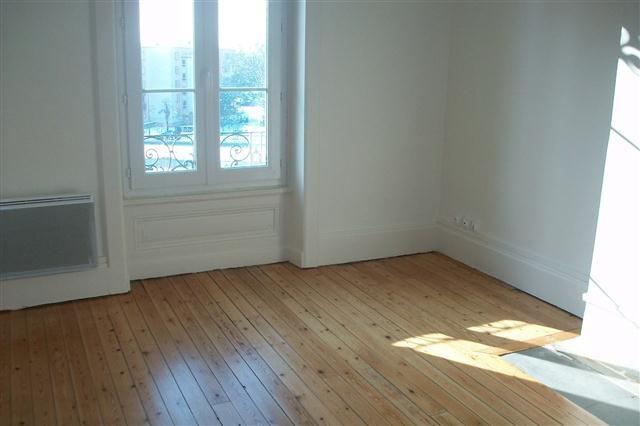 Location appartement Lyon 8ème 683€ CC - Photo 2