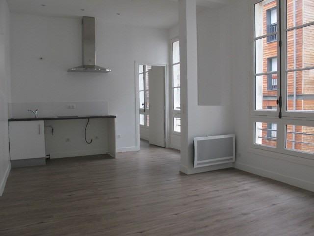 Affitto appartamento Paris 10ème 1222,50€ CC - Fotografia 1