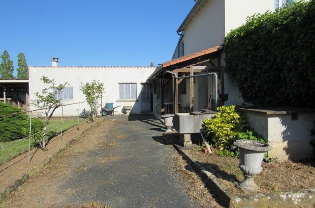 Sale house / villa Bords 148 400€ - Picture 3