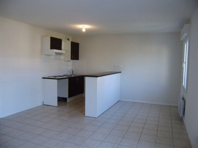 Rental apartment Artix 668€ CC - Picture 2