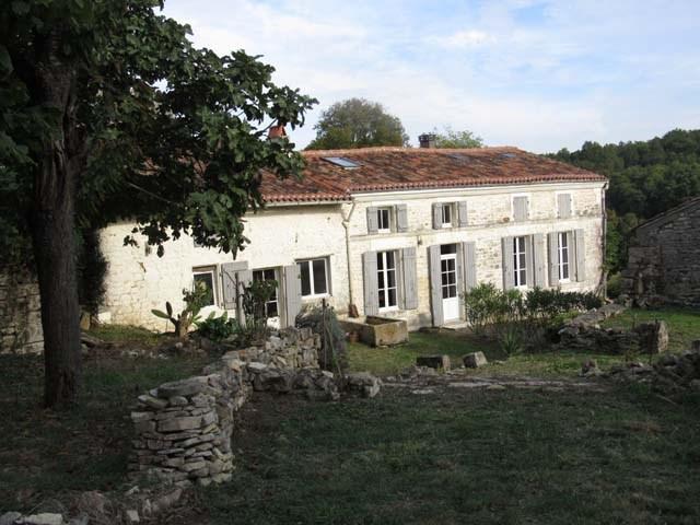 Sale house / villa Fenioux 243800€ - Picture 6