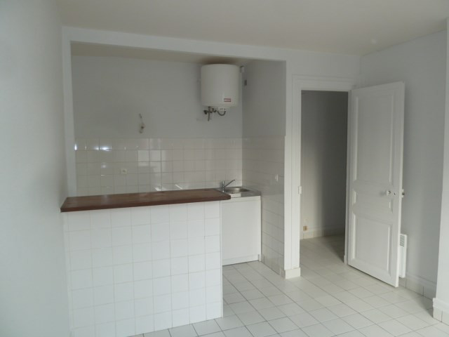 Venta  apartamento Paris 18ème 242000€ - Fotografía 2