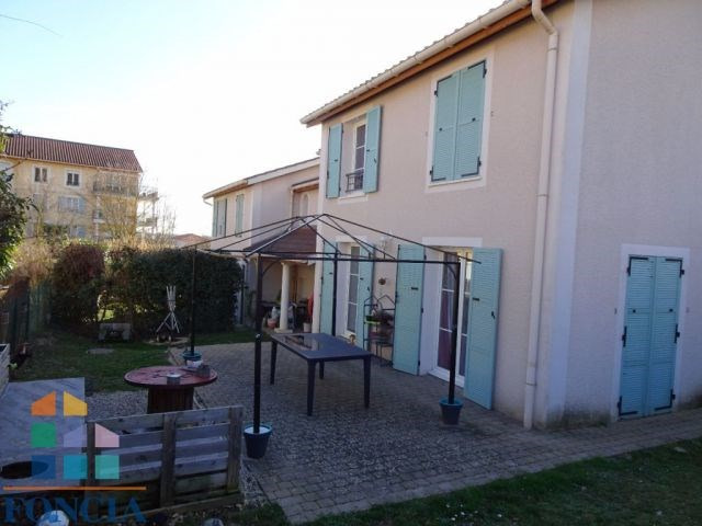 Sale house / villa Beynost 350 000€ - Picture 1