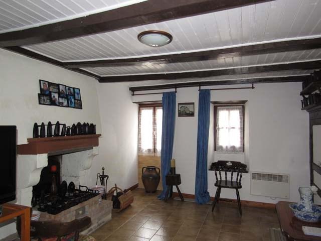 Vente maison / villa Dampierre-sur-boutonne 85500€ - Photo 4