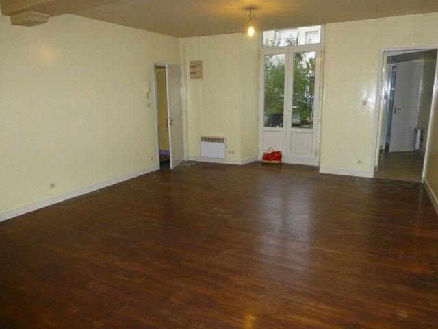 Rental apartment Saint-jean-d'angély 260€ CC - Picture 3