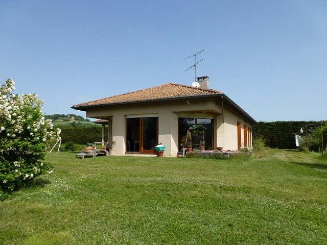 Location maison / villa Montchenu 940€ CC - Photo 1