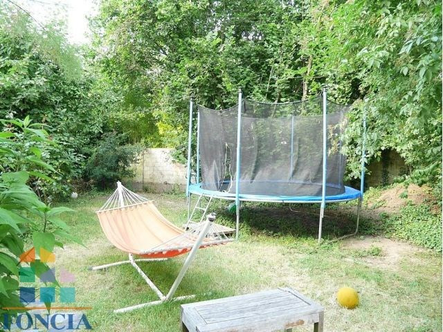 Location maison / villa Suresnes 2 740€ CC - Photo 10