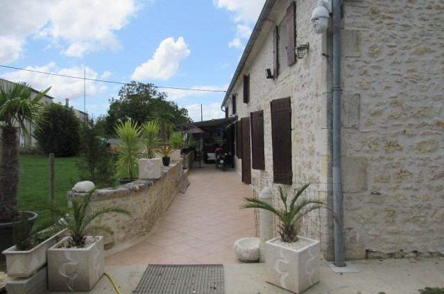 Vente maison / villa Tonnay-charente 936000€ - Photo 2