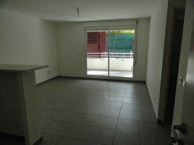 Location appartement St denis 554€ CC - Photo 3