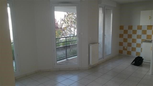 Location appartement Echirolles 553€ CC - Photo 1