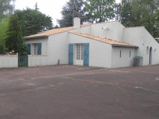 Sale house / villa La planche 213000€ - Picture 2