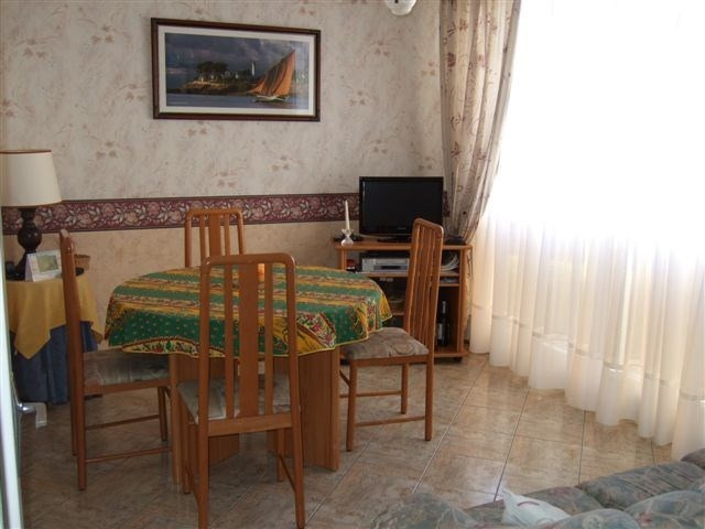 Sale apartment Grandcamp maisy 75 400€ - Picture 2