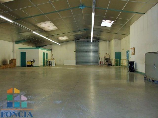 Bâtiment 540 m² sur 2440 m²