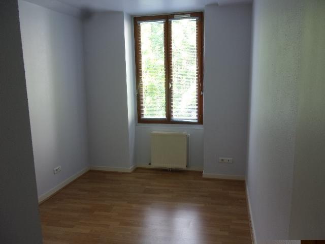 Location appartement Saint cyr au mont d or 885€ CC - Photo 1