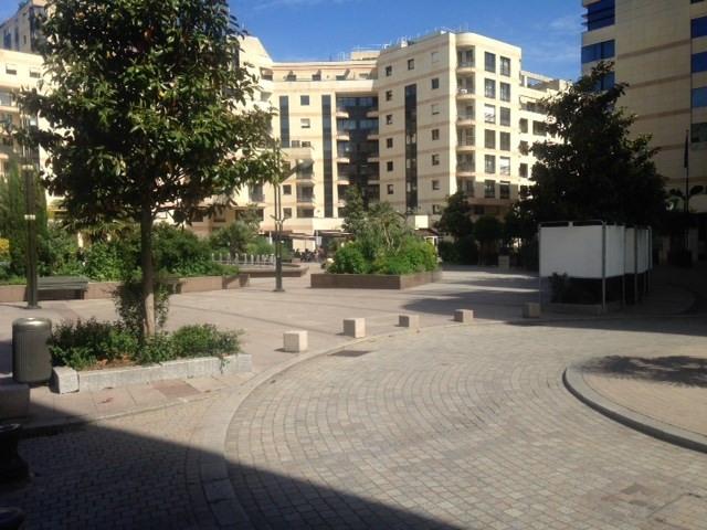 Location parking Levallois perret 120€ CC - Photo 2