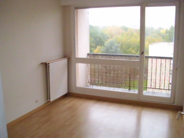 Rental apartment Maurepas 736€ CC - Picture 3
