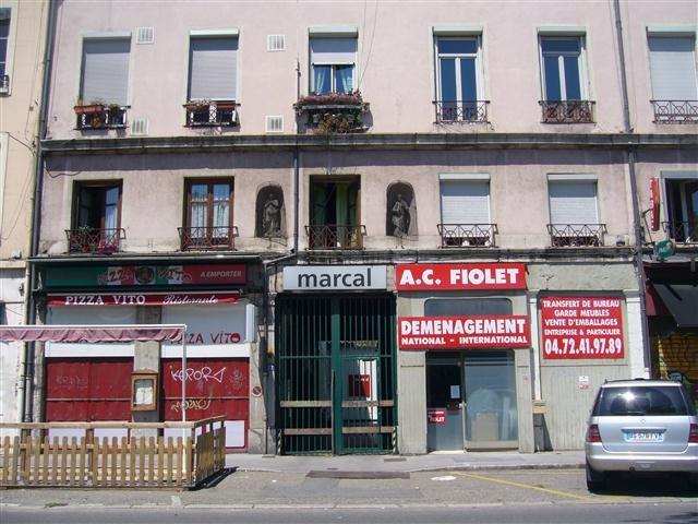 Location appartement Lyon 2ème 420€ CC - Photo 1