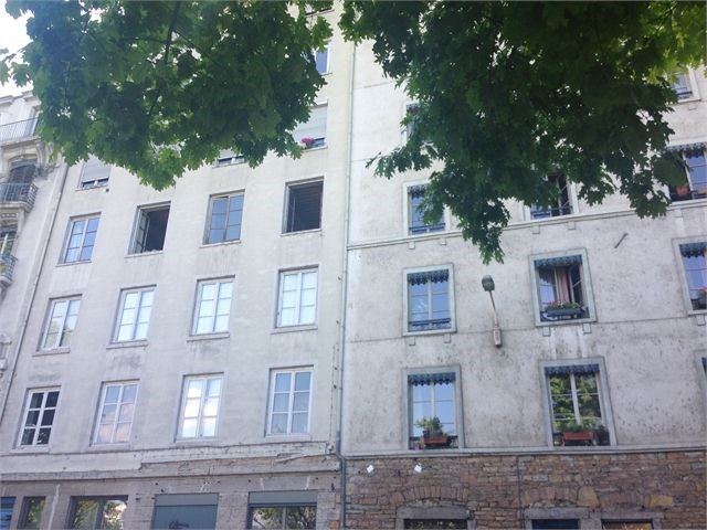 Verhuren  appartement Lyon 4ème 535€ CC - Foto 3