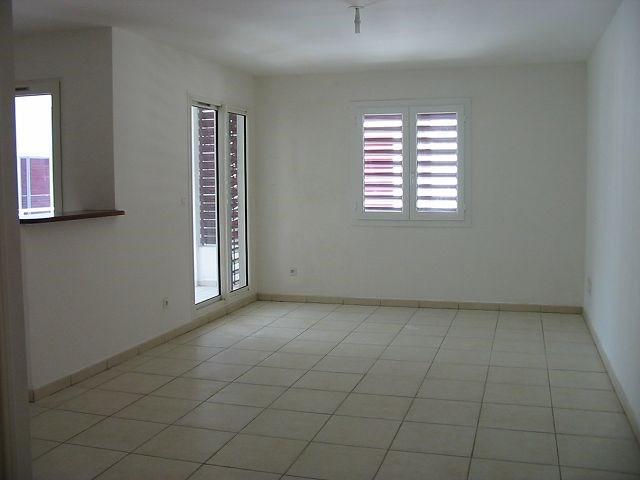 Location appartement St denis 730€ CC - Photo 3