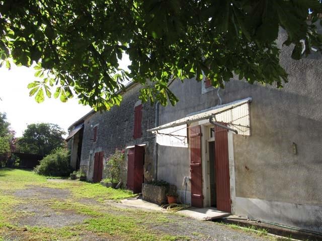 Sale house / villa Villeneuve la comtesse 106500€ - Picture 1