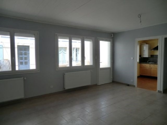 Rental apartment Chalon sur saone 544€ CC - Picture 4