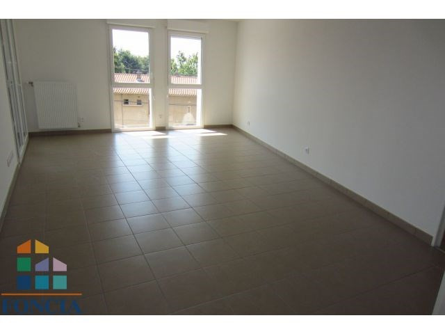 Location appartement Mions 802€ CC - Photo 1