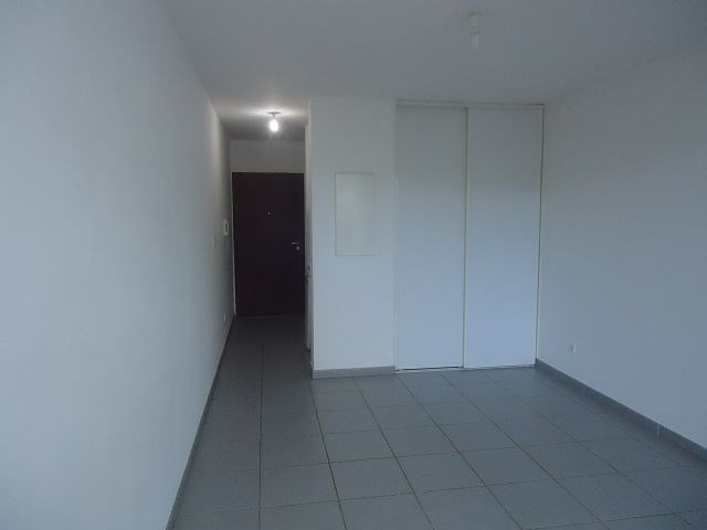 Location appartement Ste clotilde 358€ CC - Photo 3