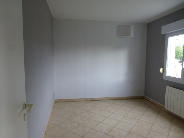 Location appartement Freneuse 785€ CC - Photo 2