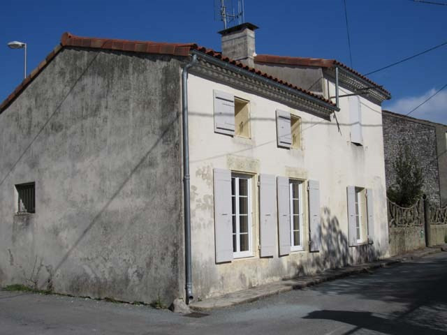 Sale house / villa Varaize 122 250€ - Picture 1