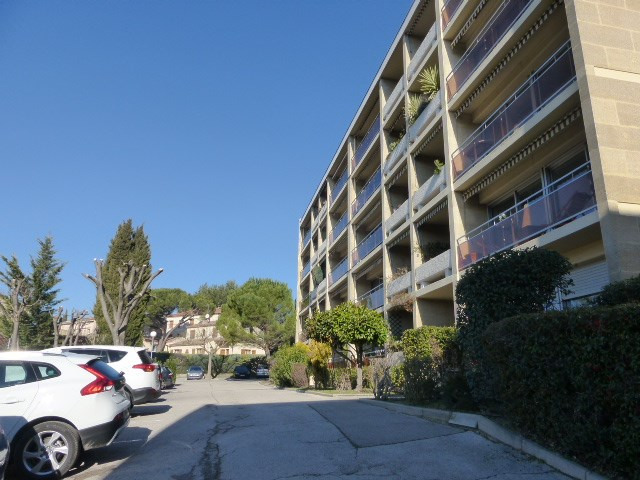 Location appartement Aix en provence 610€ CC - Photo 1