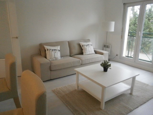 Rental apartment Fontainebleau 1 250€ CC - Picture 2