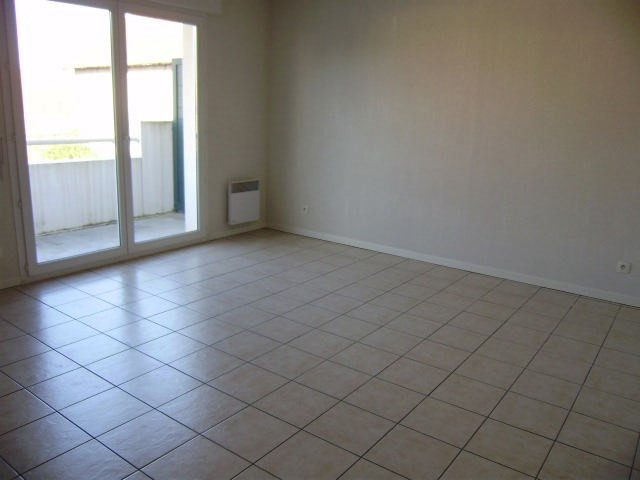 Location appartement Artix 567€ CC - Photo 3