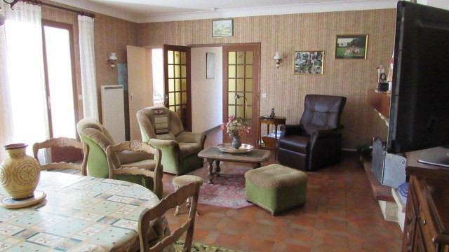Sale house / villa Loulay 133100€ - Picture 7