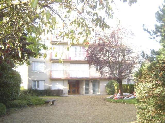 Sale apartment Les pavillons sous bois 210000€ - Picture 1