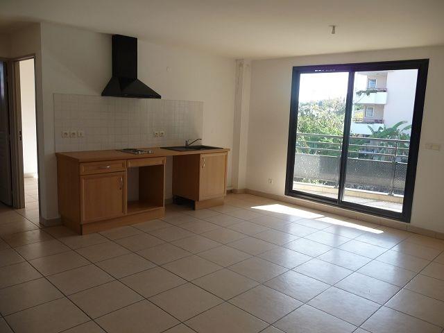 Location appartement La possession 514€ CC - Photo 2