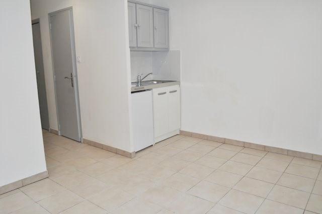 Rental apartment Marseille 16ème 400€ +CH - Picture 1