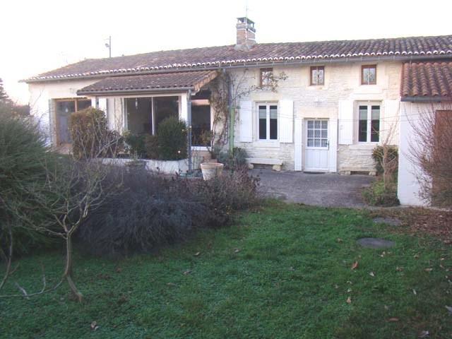 Vente maison / villa Bignay 188000€ - Photo 1