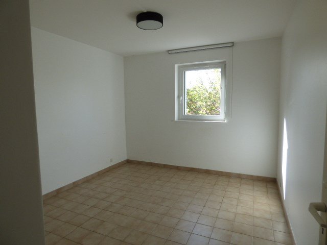Location maison / villa Éragny 1 250€ CC - Photo 4