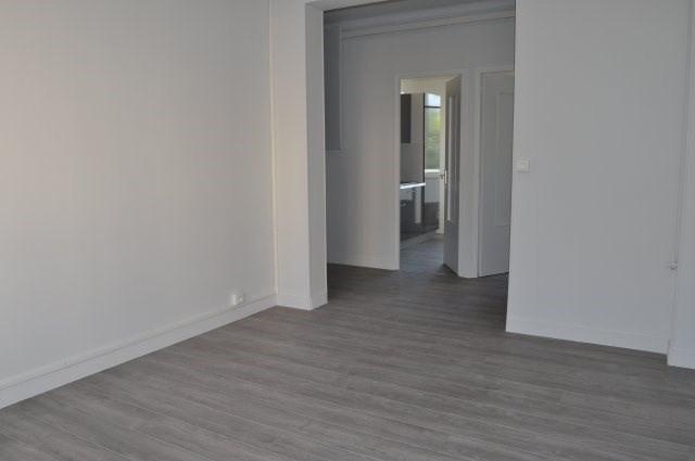 Rental apartment Marseille 8ème 860€ CC - Picture 4